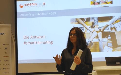 Katja Teichert bei einem Vortrag