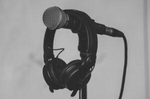 Kopfhörer und Mikrofon